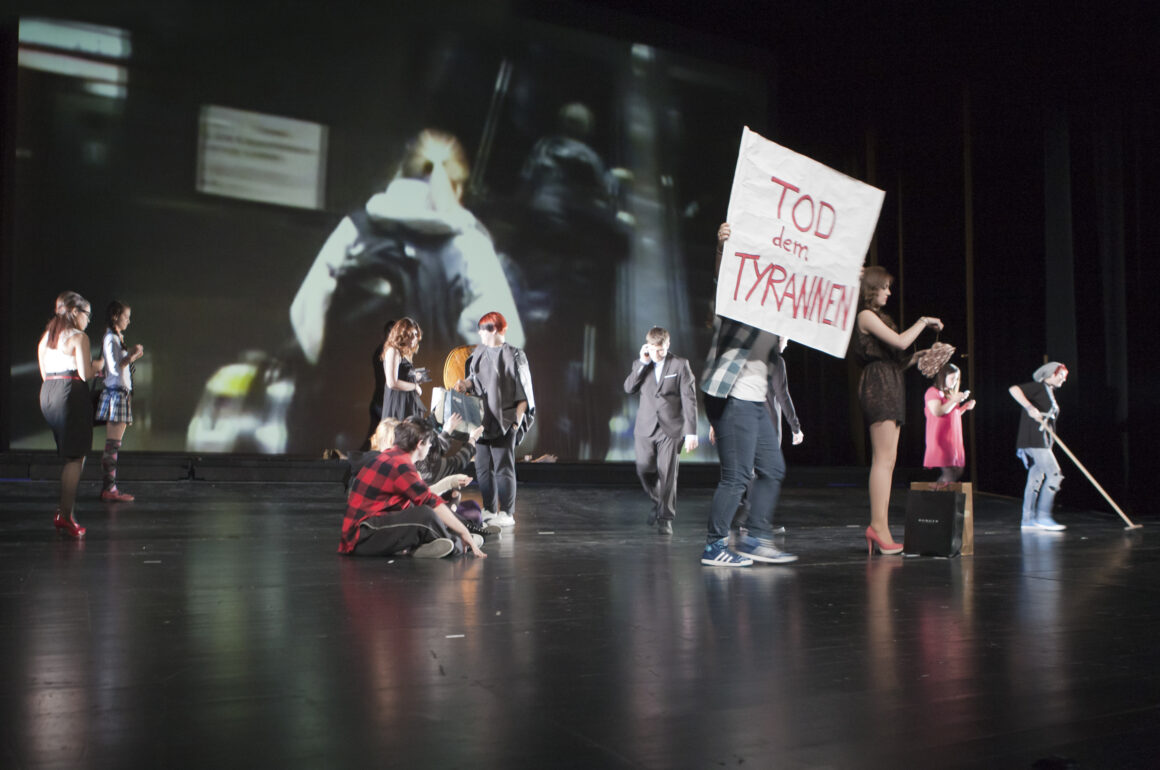 Bürgen schaft! - Premiere 2012. Foto: Robert Skrobich
